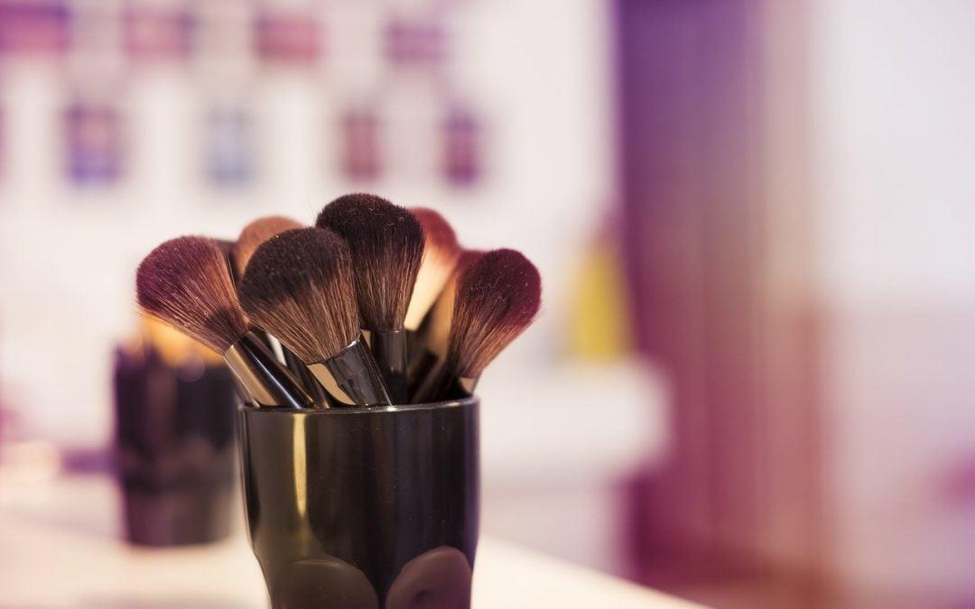 How To Make DIY Makeup Brush Cleaner